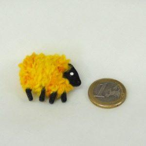 scale|euro-coin|yellow|sheep|pin