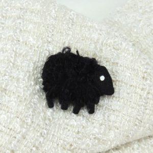 lizzyC|black|sheep|Ebony