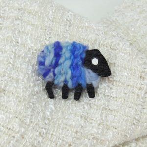 LizzyCSheep|Brooch|Iris|blue